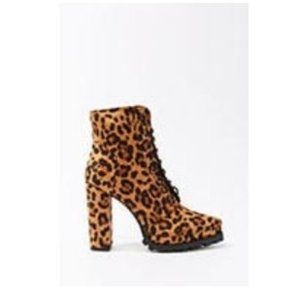 Lace-Up Leopard Print Booties NEW! SIZE 10
